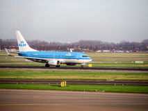 Les avions de KLM à l'aéroport de Schiphol, Amsterdam, Pays-Bas Photographie stock libre de droits