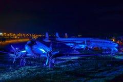 Les avions historiques sur le visiteur se garent à l'aéroport de Munich Photos stock