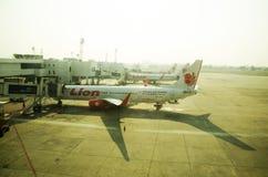 Les avions préparent pour décoller à l'aéroport international de Don Mueang Photo libre de droits