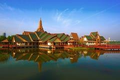 Les bâtiments de style de la Thaïlande Image libre de droits