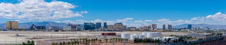Les bâtiments et les casinos sur le paysage urbain Las Vegas du centre de bande Photographie stock libre de droits