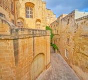 Les bâtiments forts dans la forteresse de Mdina, Malte images stock