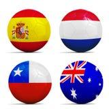 Les ballons de football avec le groupe B teams des drapeaux, Brésil 2014. Photo stock