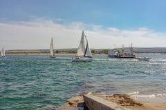 Les bancs de sable transportent en bac sur l'astuce du port de Poole dans Dorset Photo libre de droits