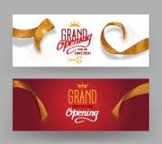 Les bannières horisontal d'ouverture officielle avec de l'or abstrait ont coupé des rubans Photo libre de droits