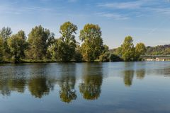 Les banques de la rivière la Ruhr près de Muelheim, Allemagne Photographie stock libre de droits
