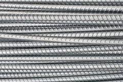 Les barres d'acier se ferment vers le haut de la texture pour la construction DOF peu profond d'industrie de fond photo stock