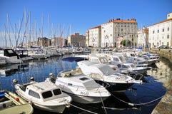 Les bateaux blancs de Piran Photo stock