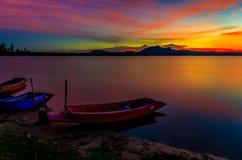 Les bateaux dans le petit lac Photo libre de droits