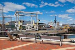 Les bateaux de la garde côtière des Etats-Unis se sont accouplés dans le port de Boston, Etats-Unis Photos libres de droits