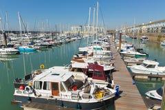 Les bateaux de marina de Brighton ont amarré l'Angleterre R-U images stock
