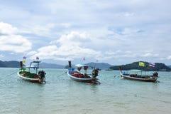 Les bateaux sur la plage Photos stock