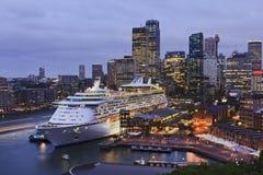 Les bateaux Sy Quay Voyager ont placé 45mm Image libre de droits