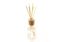 Beaux bâtons d'encens dans un liquide parfumé photo libre de droits