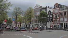 Les beaux canaux au centre de la ville d'Amsterdam - AMSTERDAM - LES PAYS-BAS - 19 juillet 2017 clips vidéos