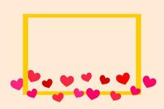 Les beaux coeurs et or minuscules d'illustration ont coloré le vecteur de cadre Images stock