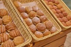 Les beignets de Berlin de différent saisit le supermarché photo libre de droits