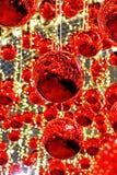 Les belles boules rouges de Noël photographie stock