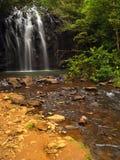 Les belles cascades à écriture ligne par ligne d'Ellinjaa Image stock