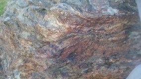 Les belles couleurs d'une roche photo libre de droits