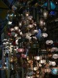 Les belles lampes en verre du bazar grand, Istanbul Photos stock