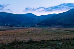 Les belles montagnes du parc national du Maiella dedans photographie stock libre de droits