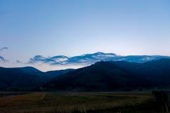 Les belles montagnes du parc national du Maiella dedans images stock