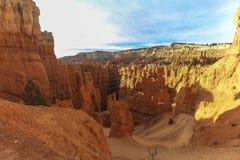 Les belles roches rouges sur le royaume des fées traînent, Bryce Canyon, Utah Images libres de droits