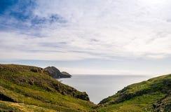 Les belles vues sur la traînée à Ponto font le sao Lourenco, Madère Photographie stock