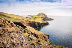 Les belles vues sur la traînée à Ponto font le sao Lourenco, Madère Photographie stock libre de droits