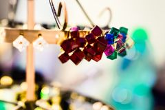 Les bijoux des femmes des matériaux précieux photos libres de droits