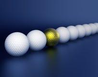 les billes de bille centrent la ligne d'or de golf Image libre de droits