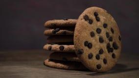 Les biscuits avec du chocolat pane, rotation 360 degrés clips vidéos