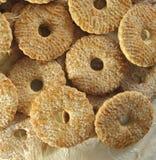 Les biscuits ont complété avec du sucre Photos libres de droits