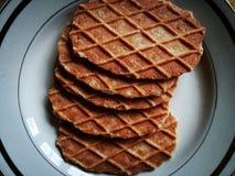 Les biscuits sont prêts pour mangent Image stock