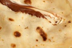 Les blinis ou les crêpes fraîchement cuits au four se ferment  photos stock