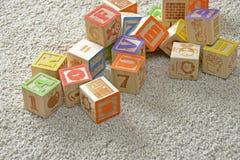 Les blocs en bois des enfants Photographie stock