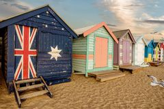 Les boîtes se baignantes colorées à Brighton échouent à Melbourne, Australi images stock