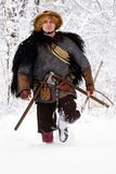 Les bois forts d'hiver de guerrier de Viking de portrait luttent l'avant profond d'habillement de bûcheron de cotte de maille de  images libres de droits