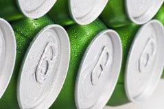 Les boissons mettent en boîte des dessus image libre de droits