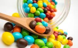 Les bonbons est trois-ont coloré des bonbons de sucrerie de fruit Images stock