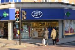 Les bottes entreposé à Londres Image stock