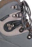 Les bottes pour la montagne augmente avec les semelles et la membrane renforcées Photo stock