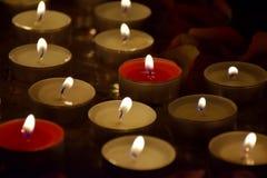 Les bougies brûlent Image stock