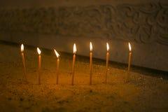 Les bougies dans l'église apostolique arménienne Images libres de droits