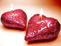 Les bougies parfumées de rose d'arome de station thermale ont placé la forme de coeur Image stock