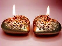 Les bougies parfumées de station thermale ont placé la forme de coeur Image libre de droits