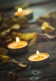Les bougies pour la méditation et apaisent l'âme Images stock