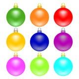 Les boules colorées de Noël ont placé d'isolement sur le fond blanc Jouet de Noël de vacances pour l'arbre de sapin Illustration  illustration stock