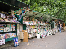Les bouquinistes along the banks of the Seine Royalty Free Stock Images